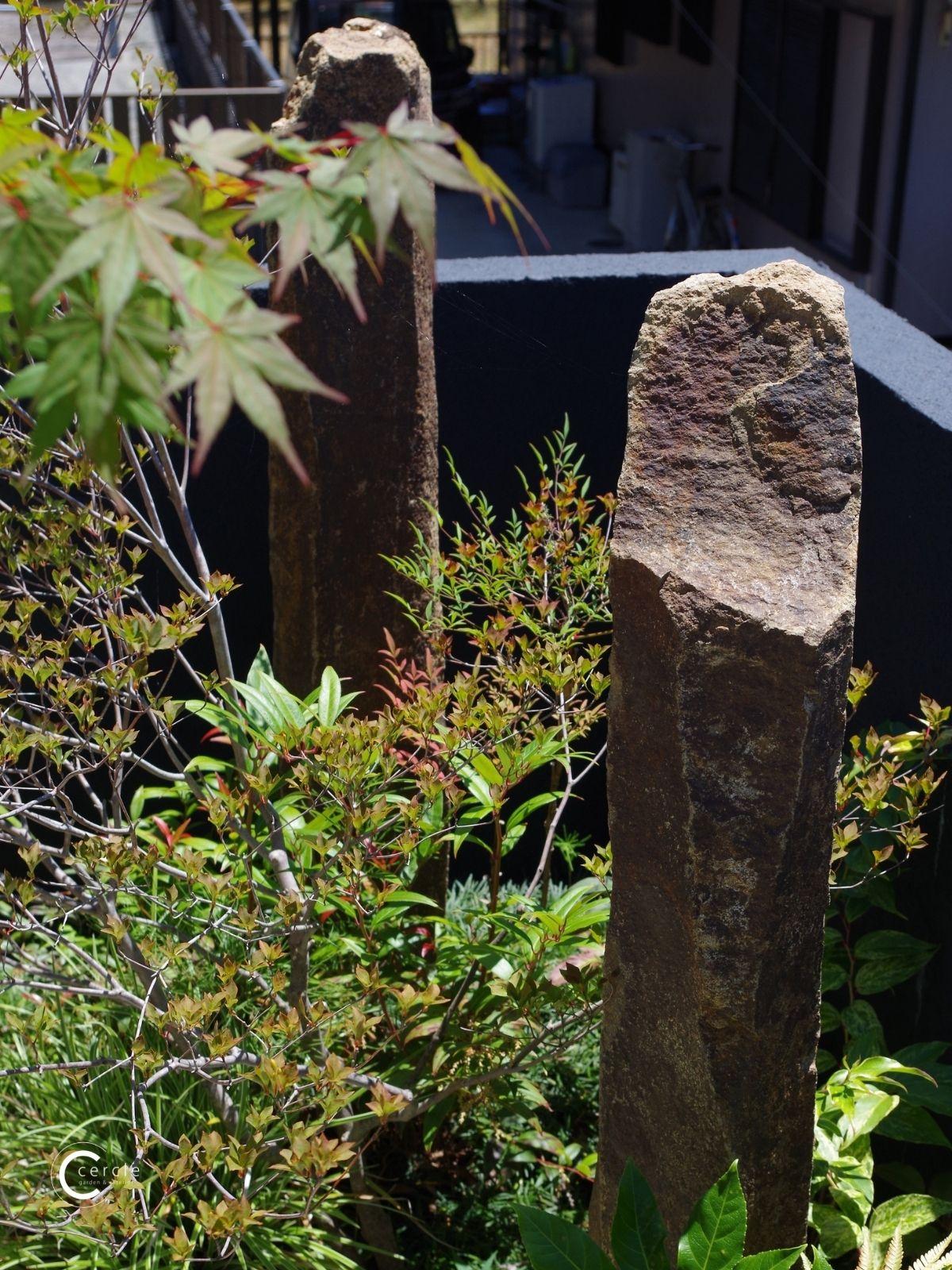 【鈴鹿市】坪庭に設置した天然石(アップ)